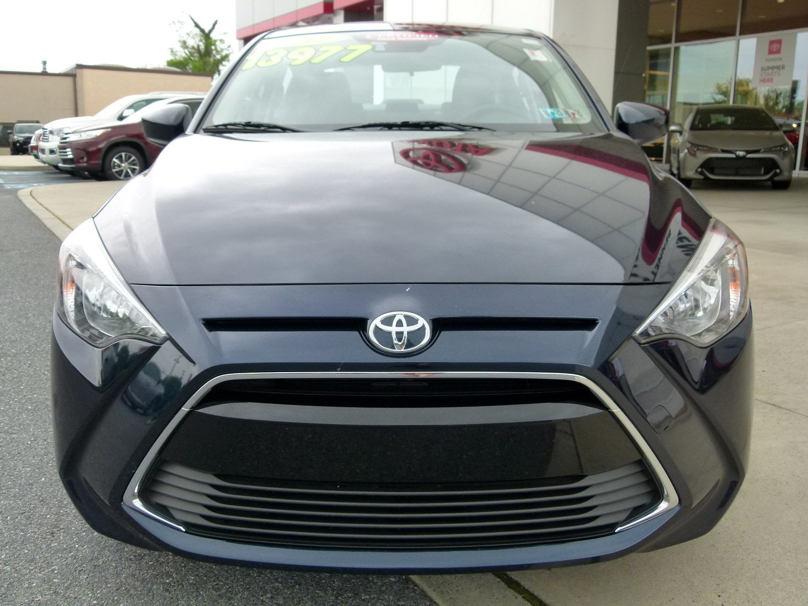 Certified Pre-Owned 2017 Toyota Yaris iA Manual