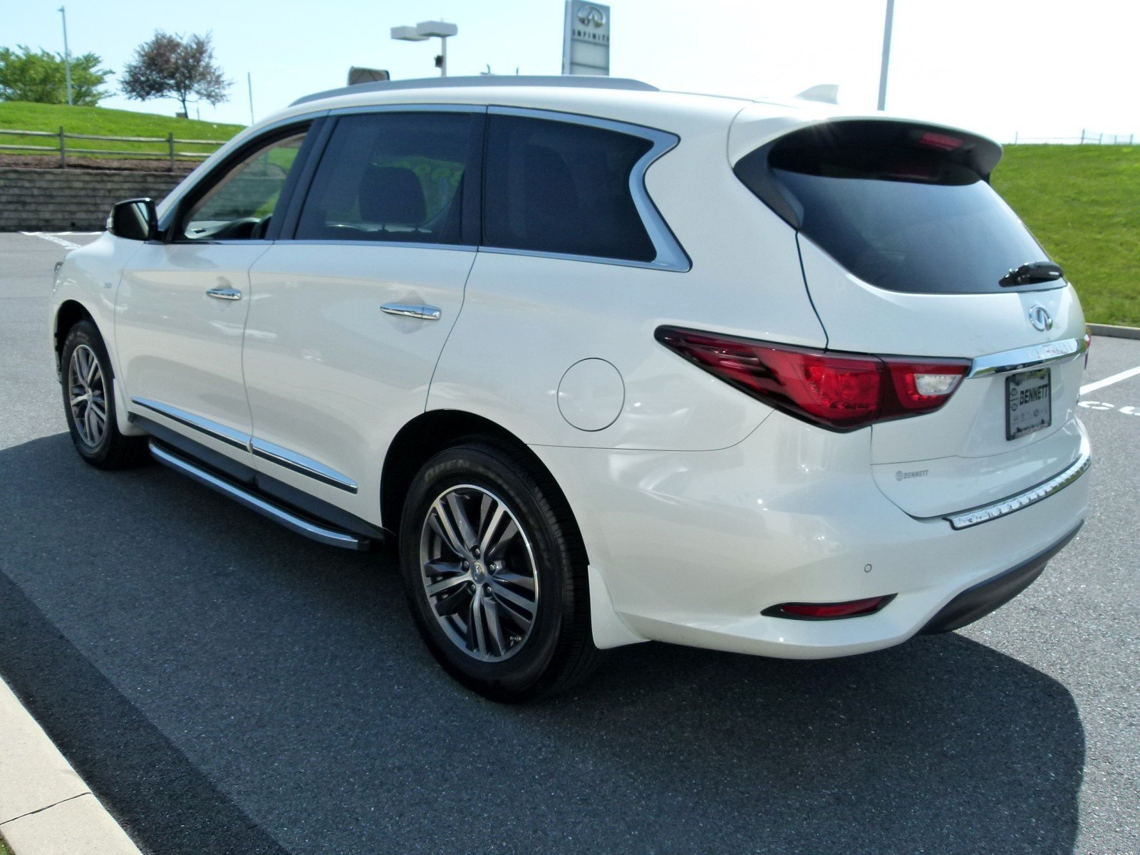 Certified Pre-Owned 2018 INFINITI QX60 4DR AWD
