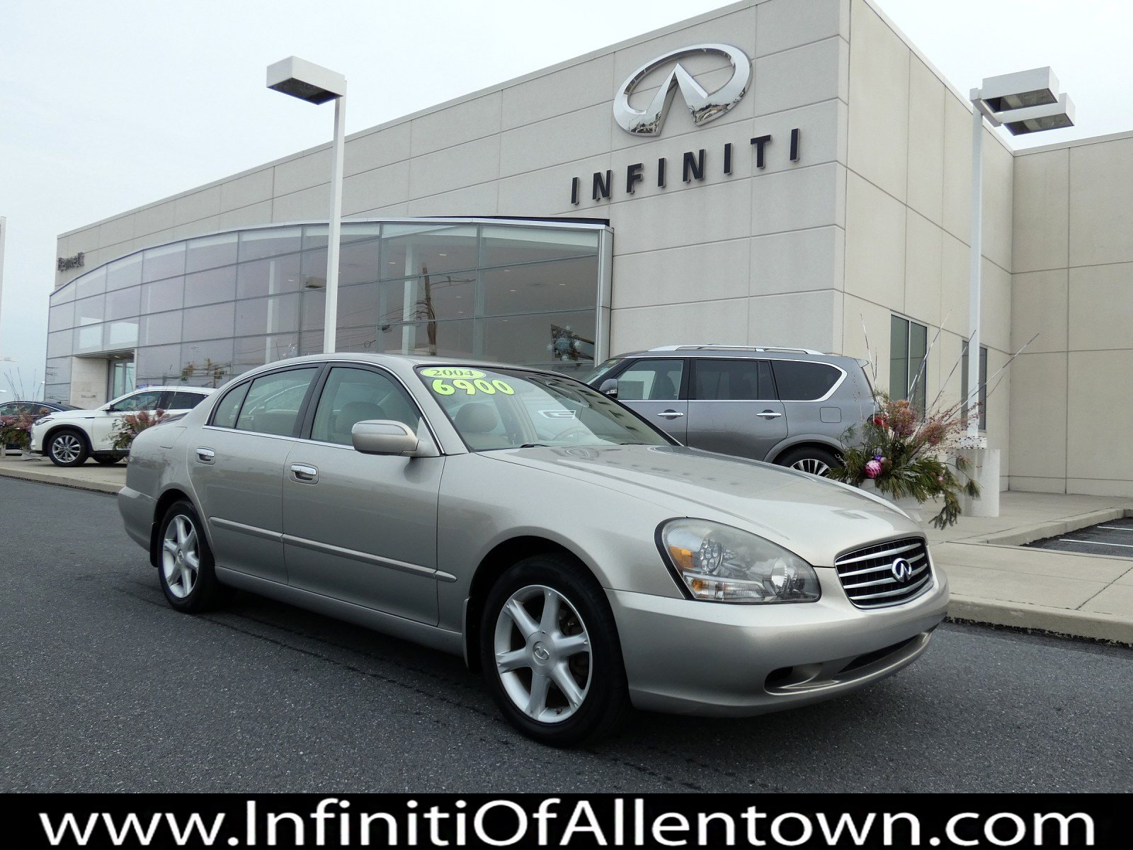 Pre-Owned 2004 INFINITI Q45 Luxury