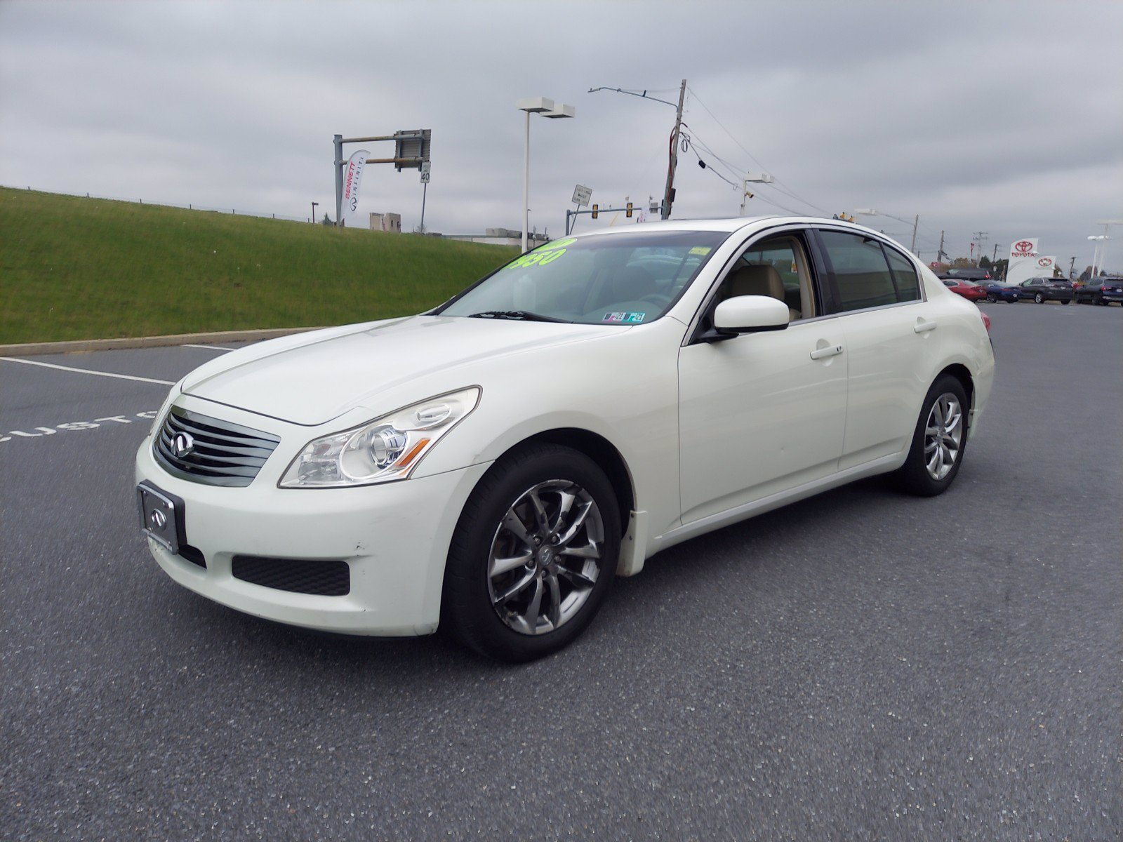 Pre-Owned 2008 INFINITI G35 Sedan x