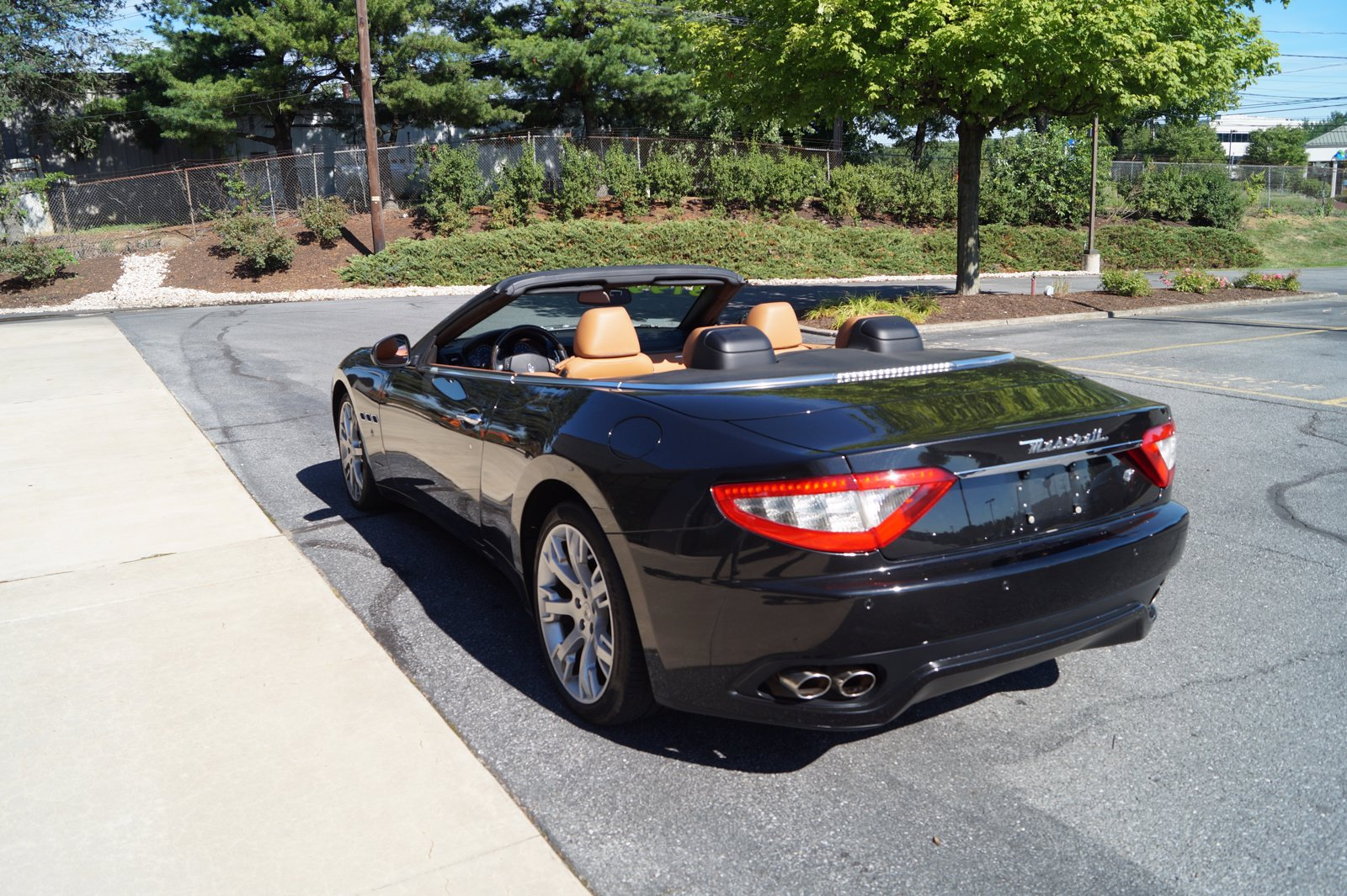 Pre-Owned 2010 Maserati GranTurismo Convertible Base